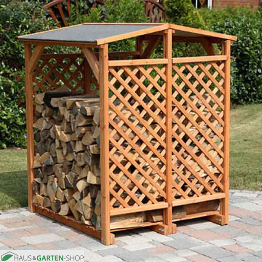 Feuerholzlager Romantica Wood im Garten