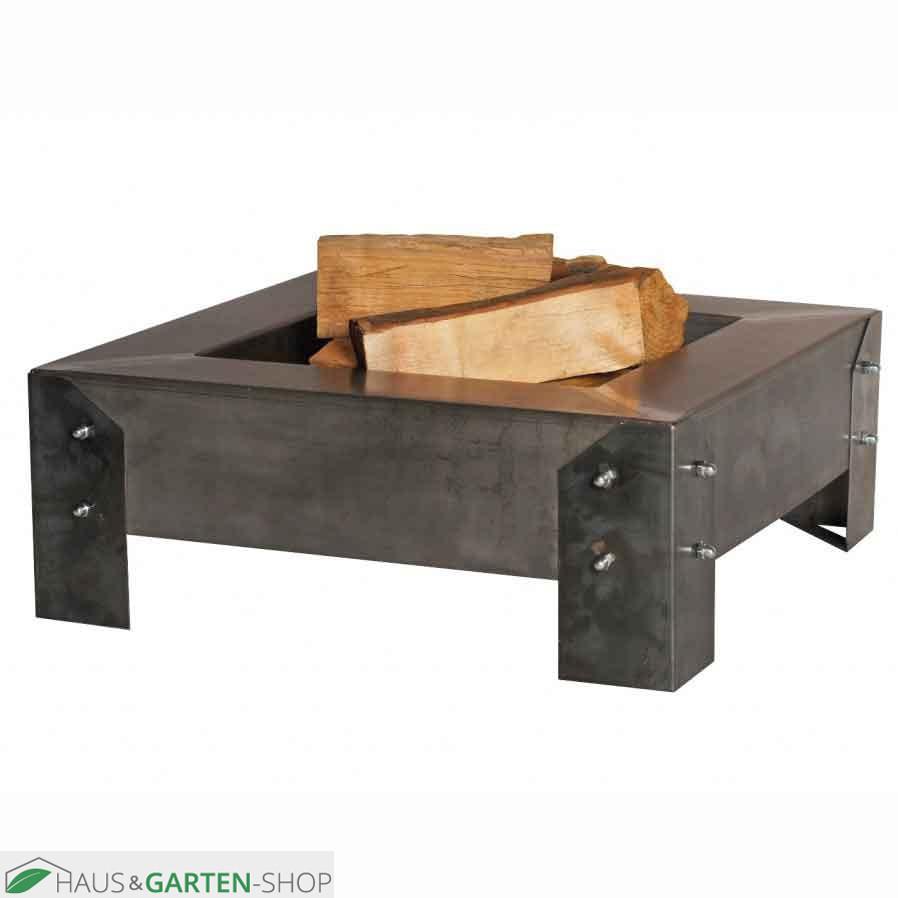 quadratische feuerschale oder grillkamin aus rohstahl. Black Bedroom Furniture Sets. Home Design Ideas