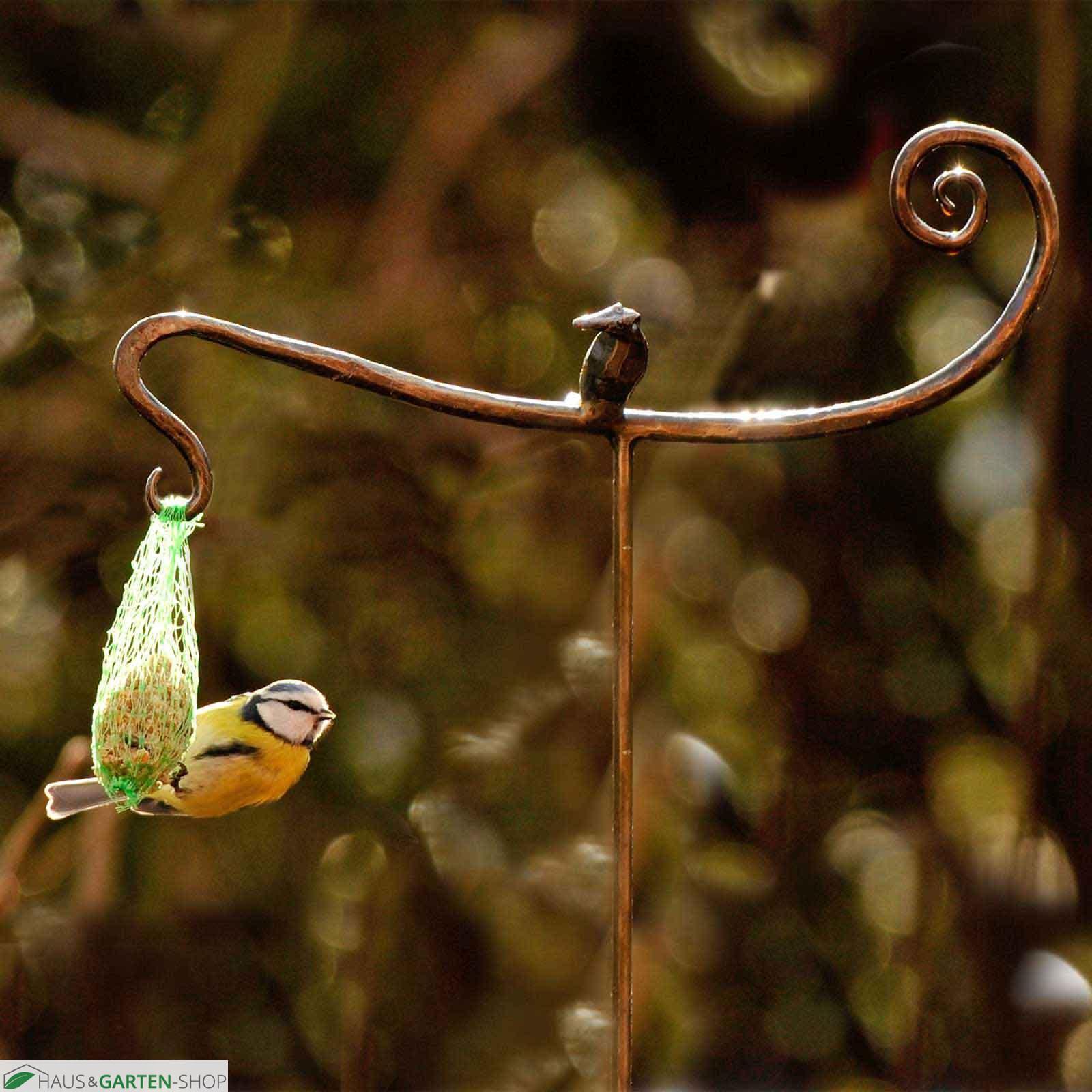 dekorativer vogelfutterhalter mit geschmiedetem vogel. Black Bedroom Furniture Sets. Home Design Ideas