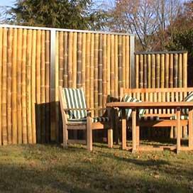 sichtschutz uebersicht naturzaun aus bambus rinde und weide sichtschutzstreifen alternativen. Black Bedroom Furniture Sets. Home Design Ideas