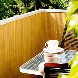 moderner fenstersichtschutz haus design m bel ideen und innenarchitektur. Black Bedroom Furniture Sets. Home Design Ideas