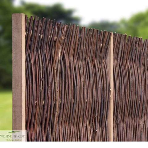 Weidenzaun mit seitlichen Rahmen rustikal
