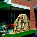 Sichtschutzrankspalier - Rustica - schräger Abschluss auf der Terrasse  aus Kiefernholz