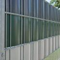 Sichtschutz-Streifen aus Hart-PVC im Gittermattenzaun
