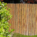Bambusmatte Bahrain als Zaun im Garten