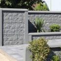 Betonzaun Casa Borsike mit Oberlatte Trapez