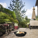 Feuerschale PAN1 lackiert auf der Terrasse