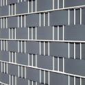 Zaunblendenstreifen Hart-PVC halbe Höhe im Gittermattenzaun