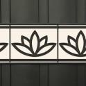 Lotusblüten-Motiv als dekorative Zaunblende
