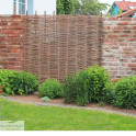 Robinienzaun Baldo Stabil Sichtschutzkombination im Garten