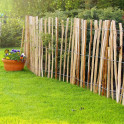 Staketen - Haselnusszaun als Bauerngartenzaun